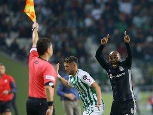 Hakemlerin Beşiktaş adaleti!